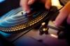 DJ X Factor - водещ на всички луди, луди танци