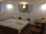 Нощувки в стаи на 30м. от  Винс и Морската градина-Варна