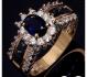 Елегантен златен пръстен със сапфири